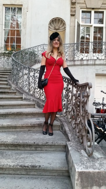 Vintage hat and gloves, dress by Stop Staring!